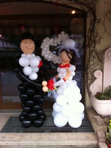 Sposi realizzati con palloncini